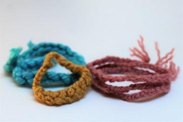 one finger knitting